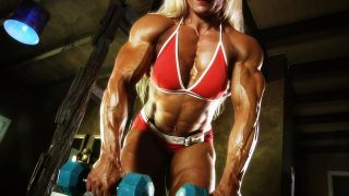 Brigita Brezovac muscles are ripped.