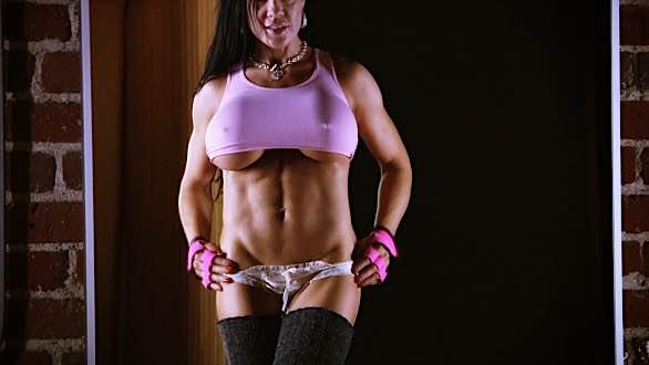 Samantha Kelly's amazing fit body