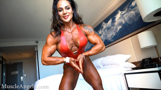 fbb cris goy flexing thick pecs