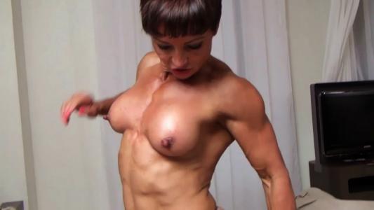 female bodybuilder wrestler Deadly Nightshade