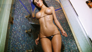 Cj Sparxx getting wet and nude in the shower