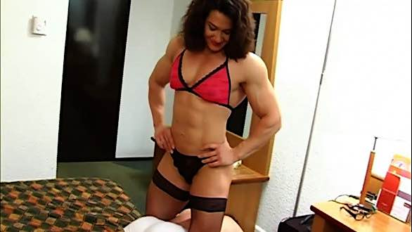 Alina Popa dominating a guy in bed