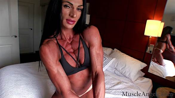 sex babe with hot shredded muscles