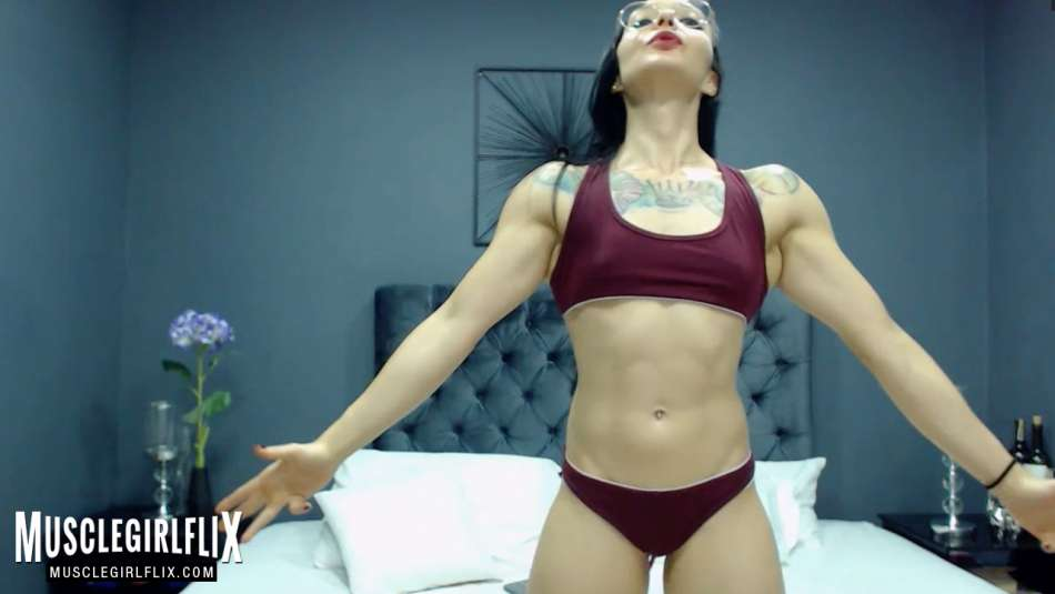 sexy and fit physique webcam babe