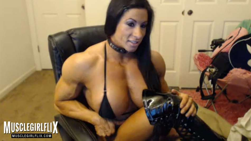 huge female bodybuilder on webcam