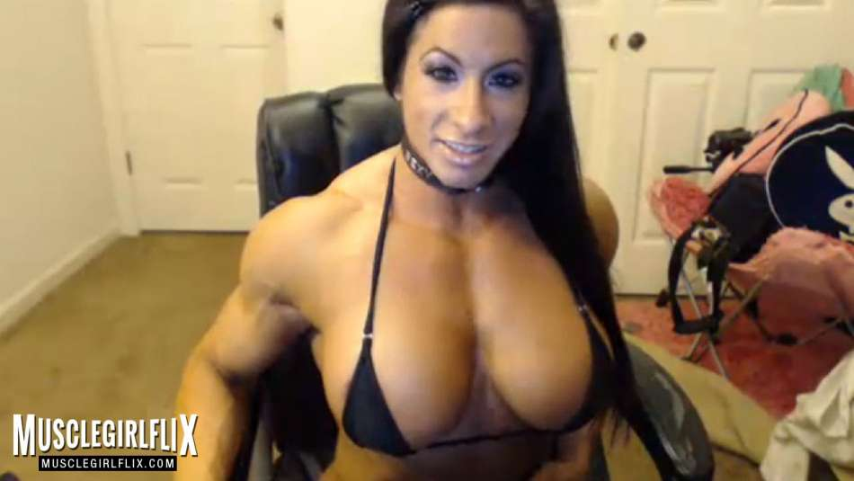 amazing muscle girl cam with big tits