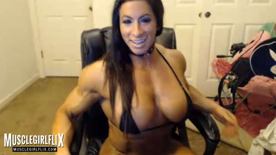 sexy female bodybuilder webcam