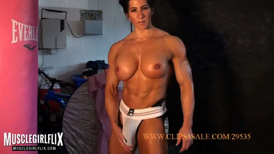 muscel girl futa showing her big bulge