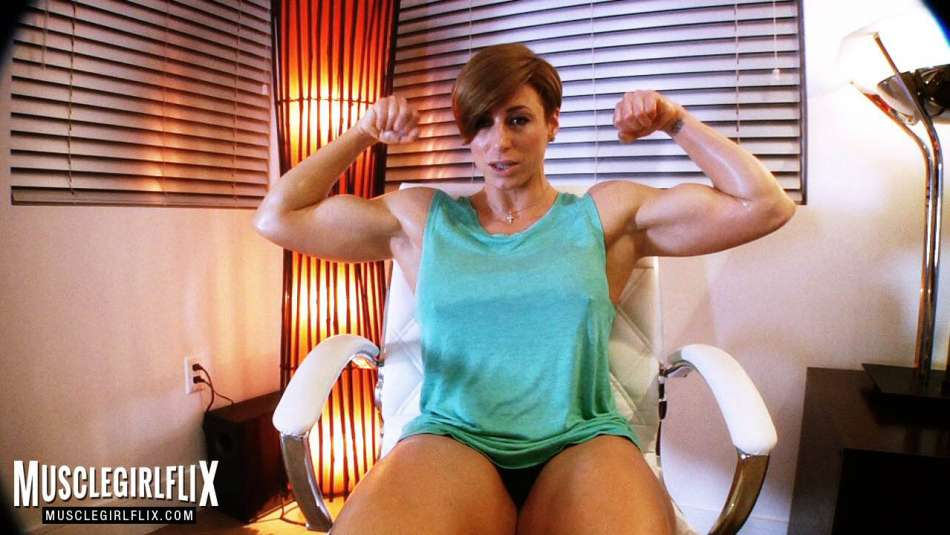 Goddess Rapture muscle girl foot fetish huge biceps