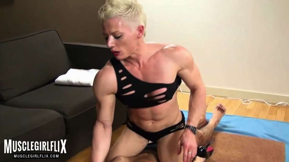 ripped dominator roughes up slave