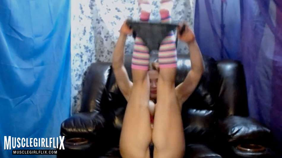Kaylee Nash hot camgirl strip tease