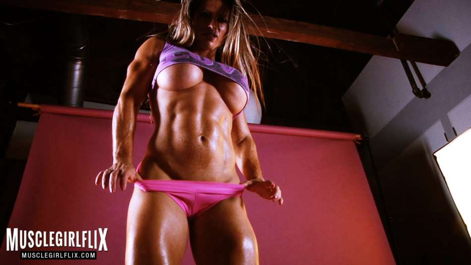 Maria Garcia shredded female muscle