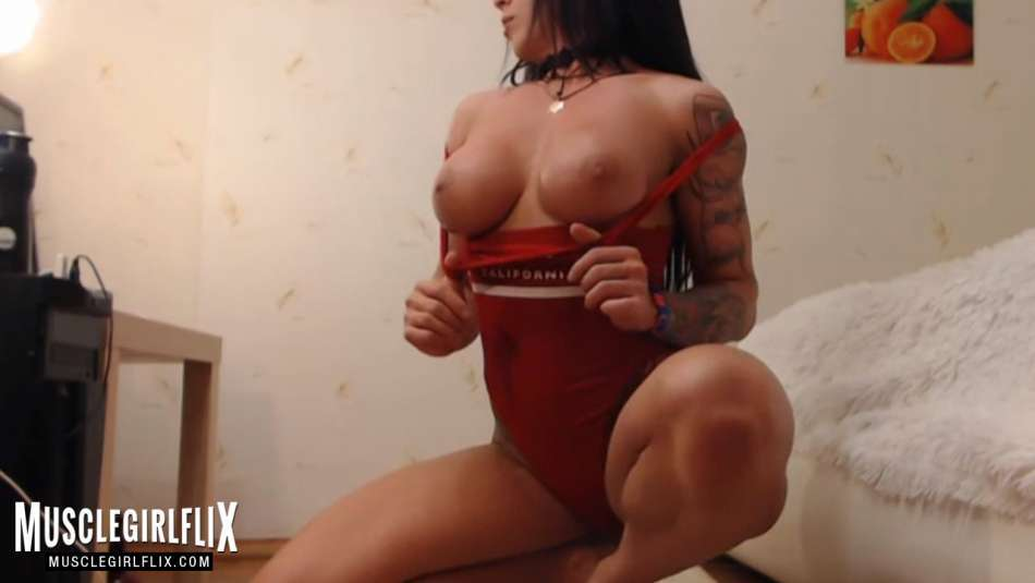 Marietta sexy and athletic cam girl bod