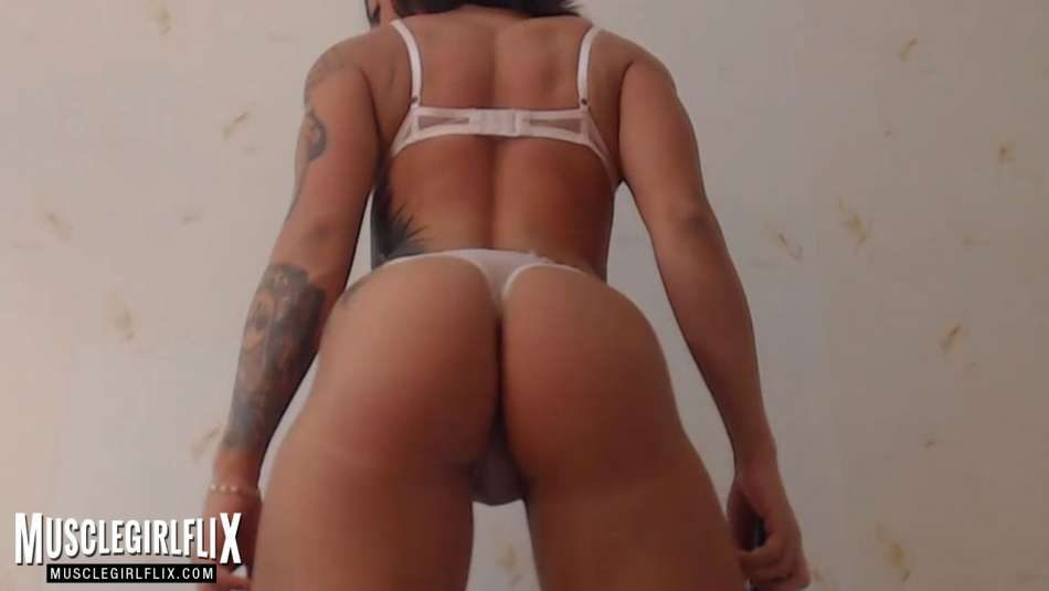 Amazing thick booty shot ofo webcam girl Marietta