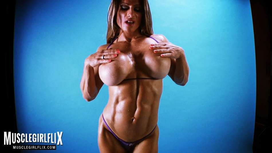 maria garia amazing topless muscle