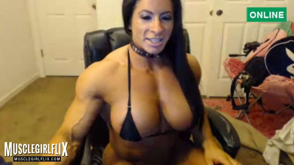 Angela Salvagno sexy and fit muscle babe cam