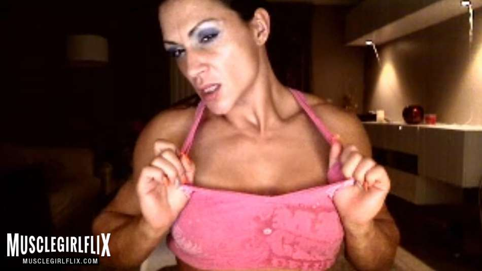 Suzy Kellner super hot and fit cam babe