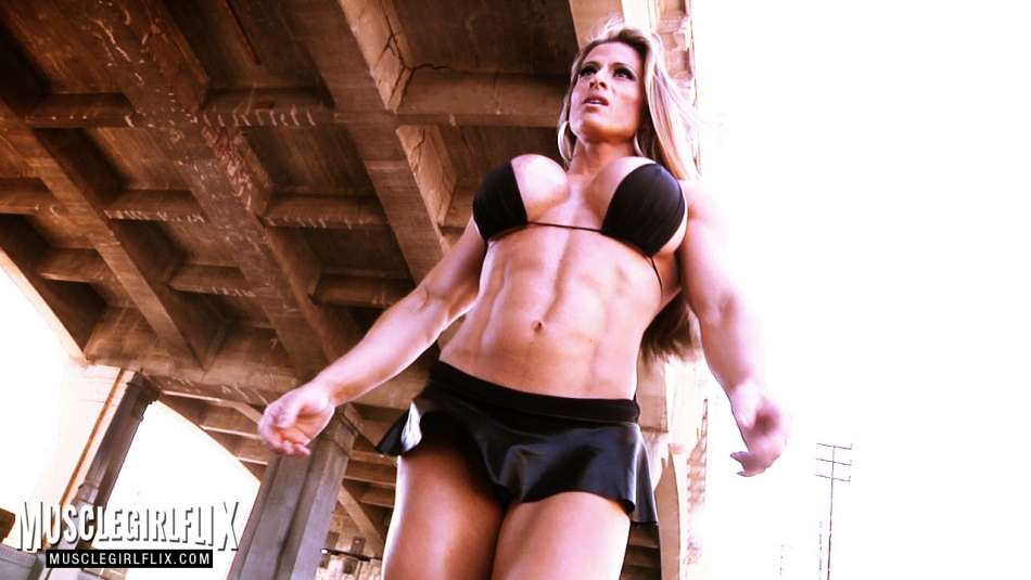 Maria Garcia female muscle sexy abs