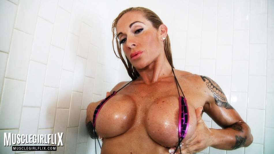 Victoria Lomba wet female muscle