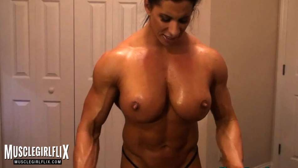 Angela Salvagno huge female muscle