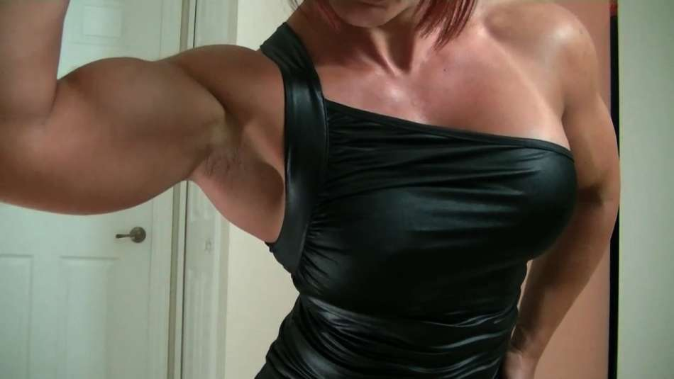 Mz Devious huge ripped bicep