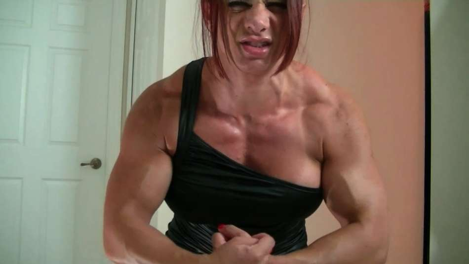 Mz Devious shredded muscle girl