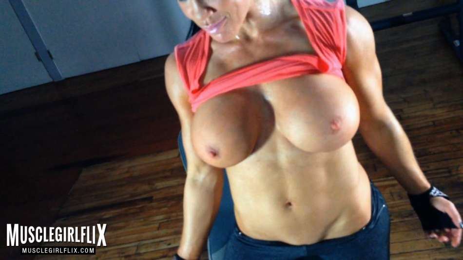 amazing boobs samantha kelly workoit