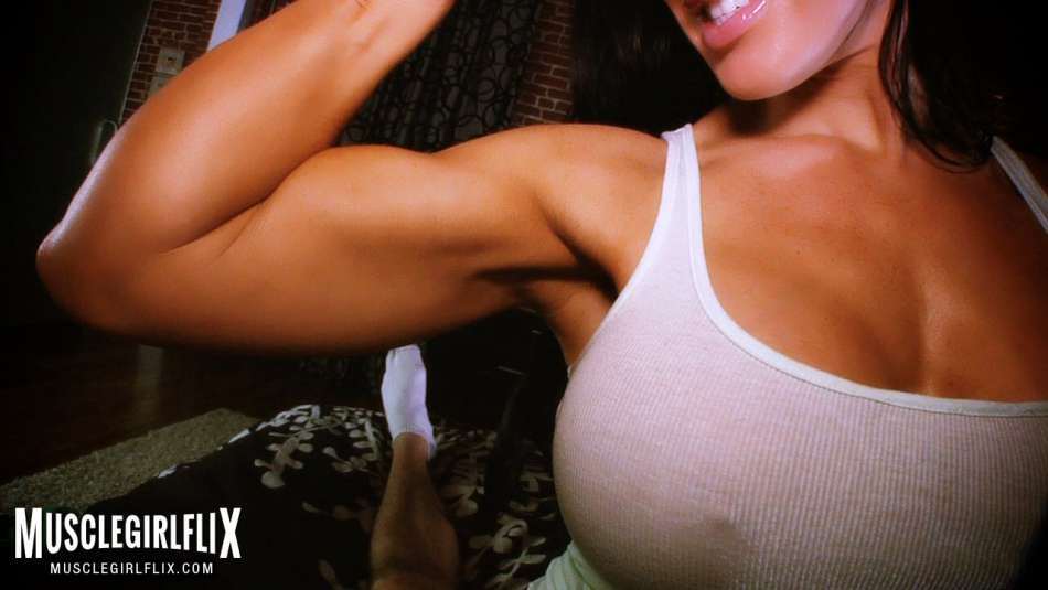 Samantha Kelly Bicep Flex & Sex Fantasy POV huge bicep
