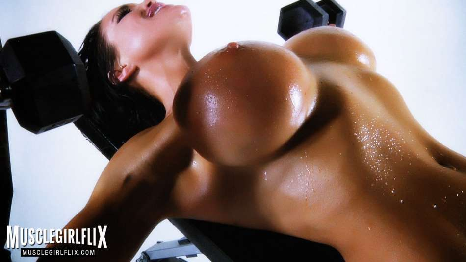Samantha Kelly nude workout video