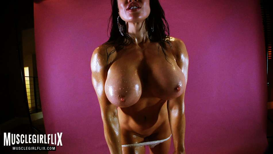 Samantha Kelly hot and topless brunette close up