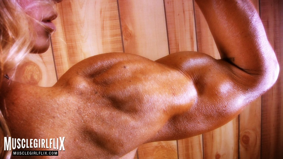 Jill Jaxen well sculpted arm muscle