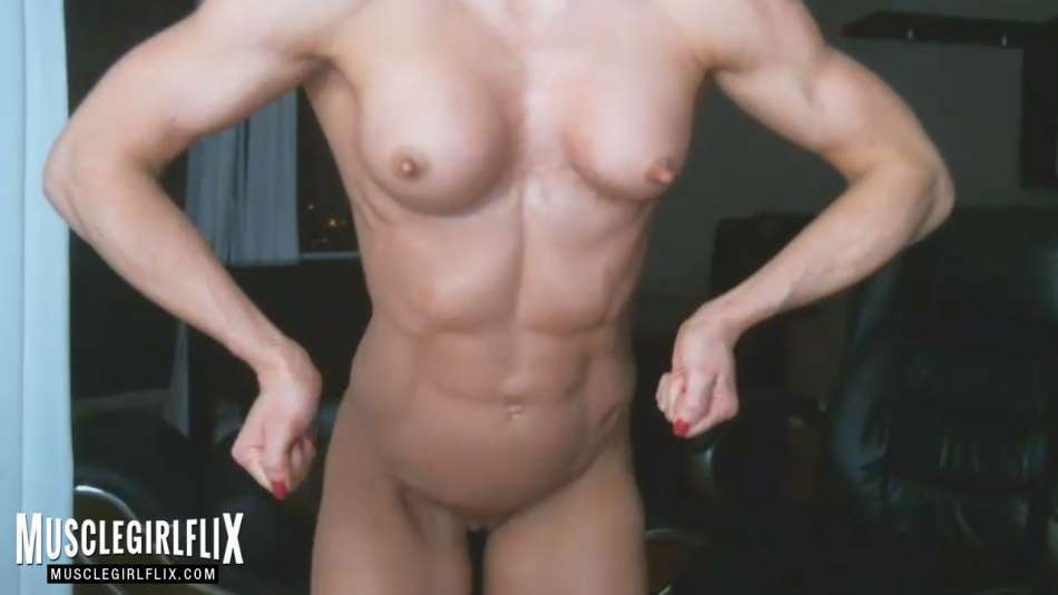 Sexy Muscle Girl Nude Pose