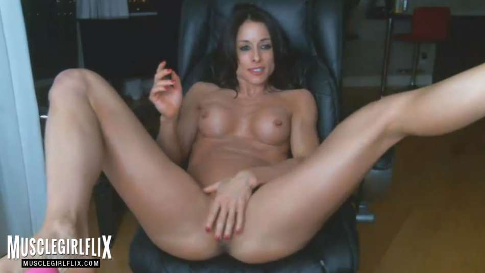 Sexy Muscle Girl Hot Masturbation