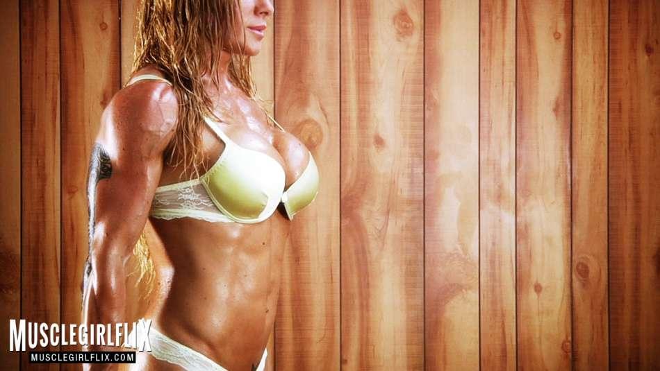 Victoria Lomba amazing physique