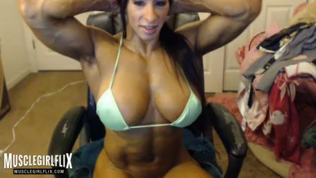 huge muscular sex cam girl Angela Salvagno
