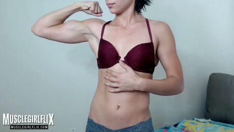 Fitness Webcam Girl Bicep Flex Davina Blake