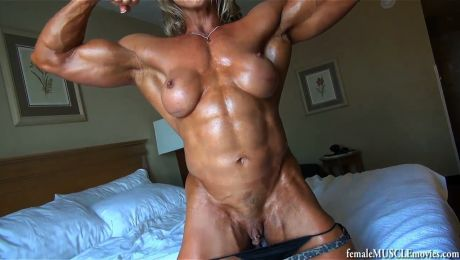 Holy Fuck Ripped Muscle MILF Big Clit Emery Miller