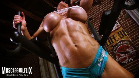 Muscle Girl Goddess Extreme Underboob Maria Garcia