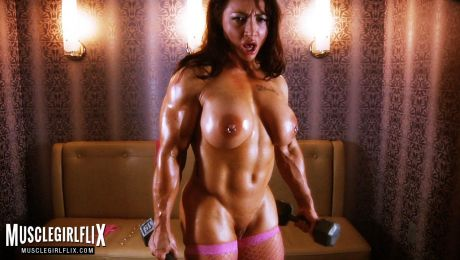Naked Muscle Porn Babe Brandi Mae