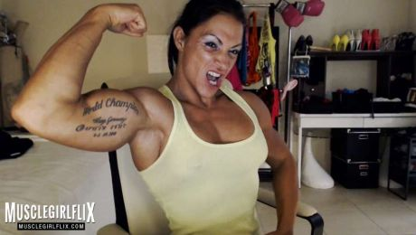 Suzy Kellner Sexy Female Bodybuilder on Webcam