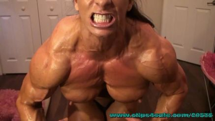 Angela Salvagno flexing her massive muscle on webcam