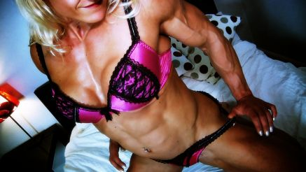 Brigita Brezovac bedroom tease muscle girl