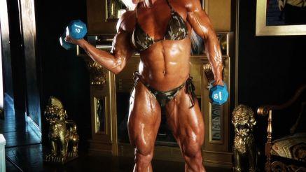 Brigita Brezovac super ripped muscle babe
