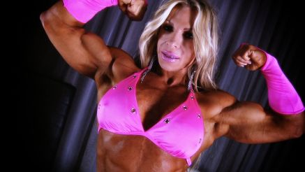 fbb Debi Laszewski showing her huge biceps