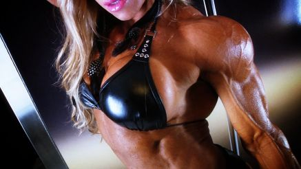 Debi Laszewski huge shoulders and ripped arms.