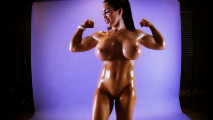 Samantha Kelly bicep curls and her huge tits.