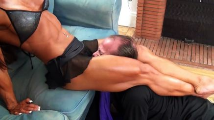 bodybuilder femdom scissoring guy