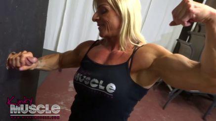 bodybuilder girl porn