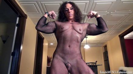 muscle MILF flexing her big biceps