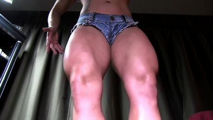 bodybuilder girl kora angel muscular legs